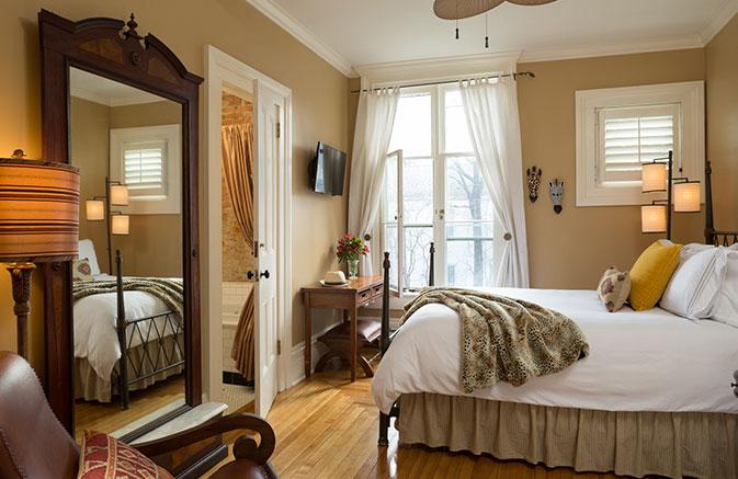 Landmark-Rooms-Hemingway-1