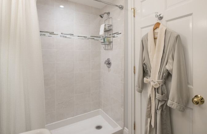 Cooperstown Boutique Hotel Shower