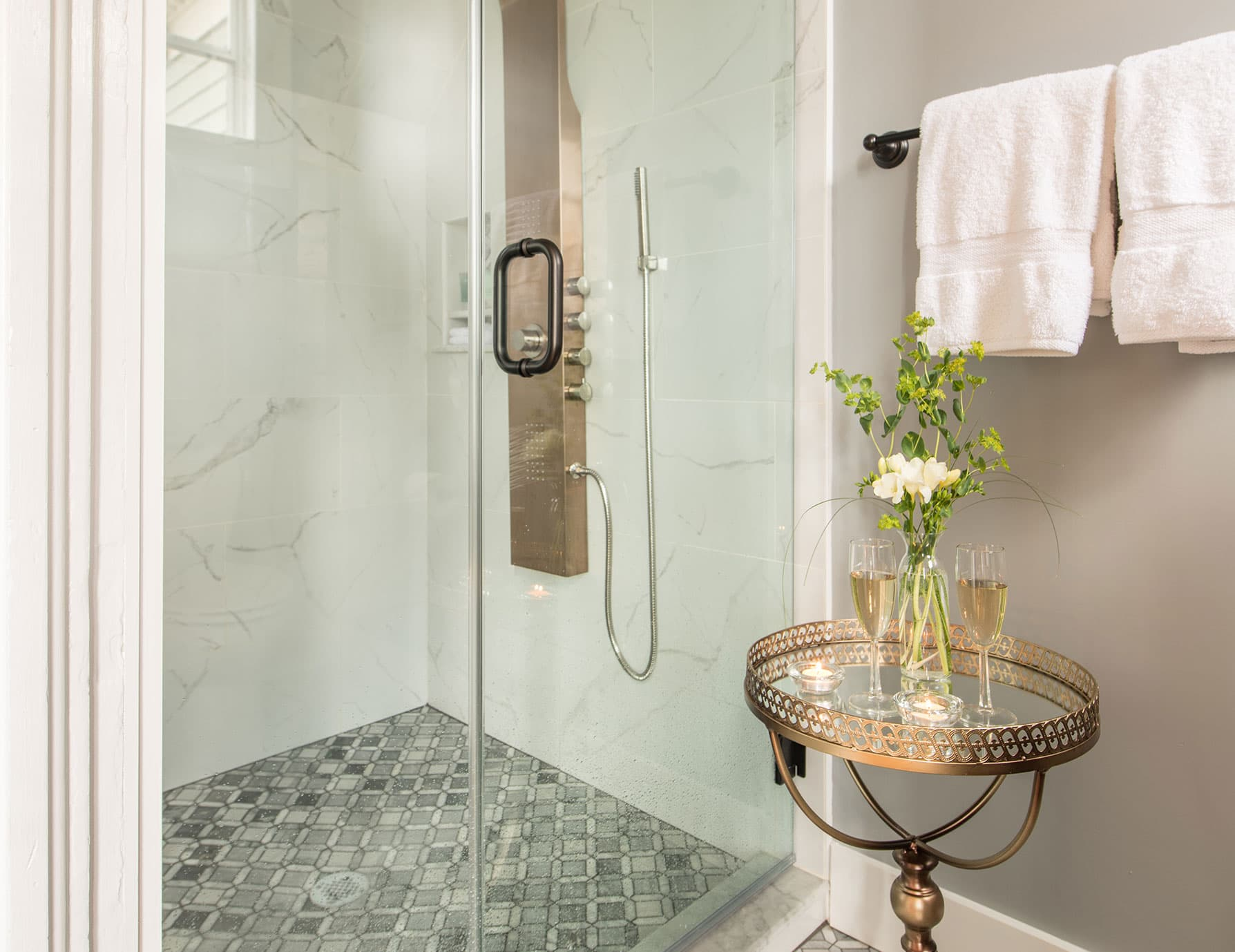 Luxurious Grand Dream Shower in the Summer's Suite