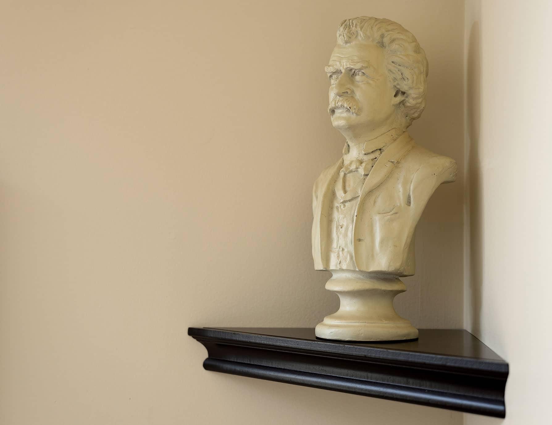 Plaster bust of Mark Twain