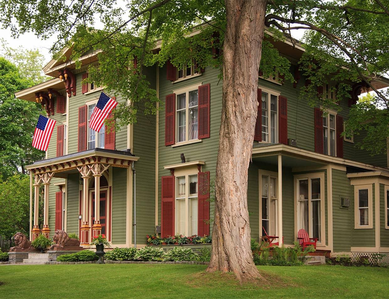 Exterior of Landmark Inn